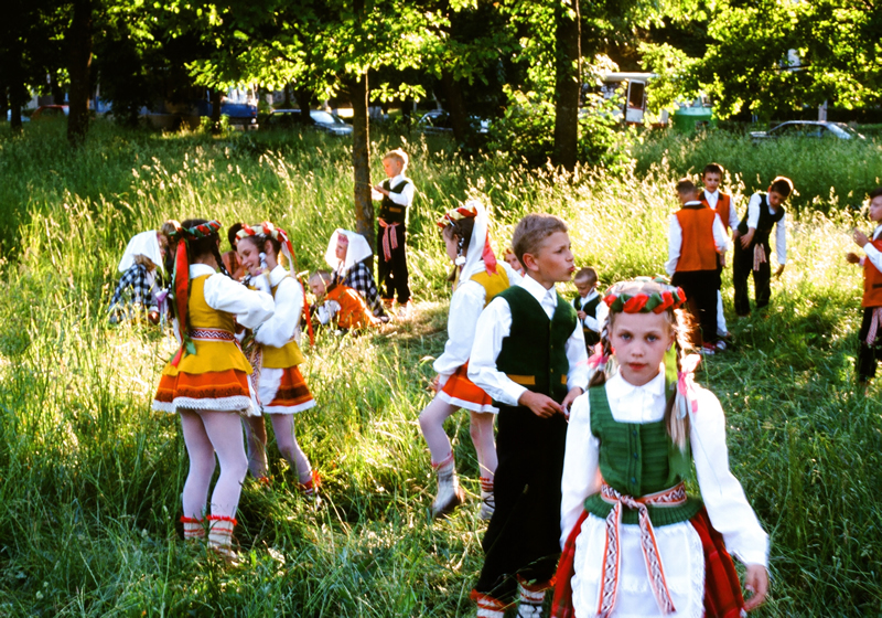 Tanzgruppe in Tracht
